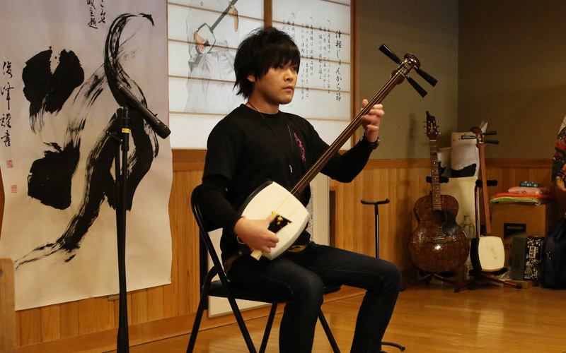 shamisen performances