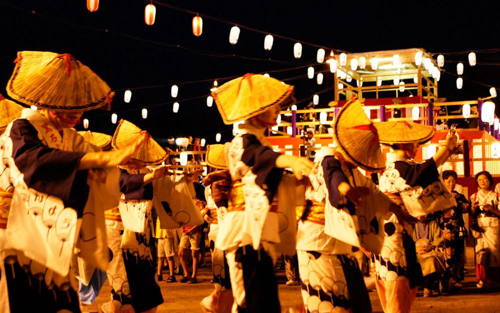 kuroishi yosare mawari dance